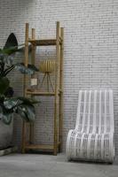 indoor plank en stoel