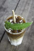 ijskoffie drinken
