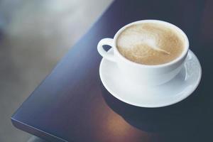 latte op een tafel