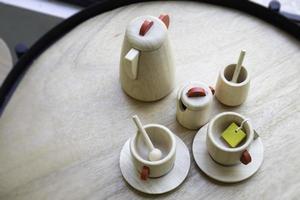 houten theeservies foto