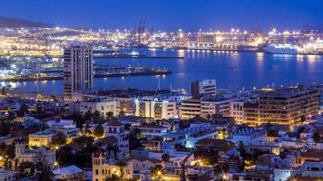 panoramisch van de stad Las Palmas bij zonsondergang foto