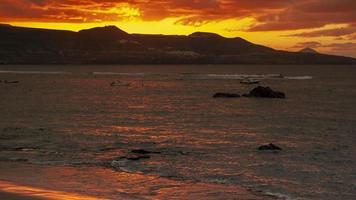 zonsondergang in de stad Las Palmas, Gran Canaria foto