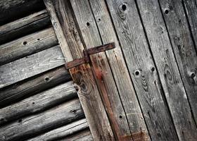 detail van een oude houten deur foto