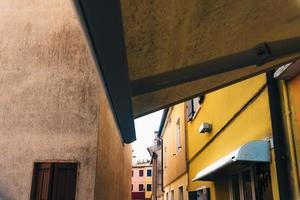 toeristische wijk van de oude provinciestad Caorle in Italië