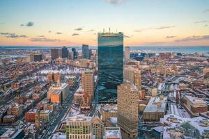 luchtfoto van Boston in Massachusetts, Verenigde Staten 's nachts