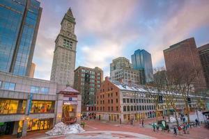 openluchtmarkt op Quincy Market en South Market in het historische gedeelte van Boston