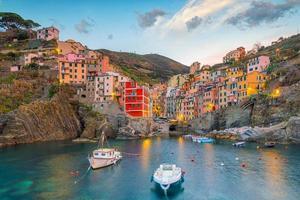 Riomaggiore, de eerste stad van de Cique Terre in Ligurië, Italië foto