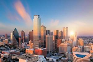 Dallas, Texas Cityscape bij zonsondergang foto