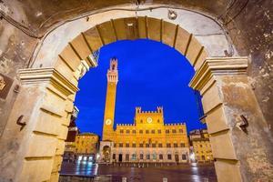 Piazza del Campo in Siena, Italië foto