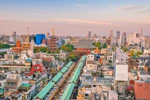 bovenaanzicht van het gebied van Asakusa in Tokio, Japan