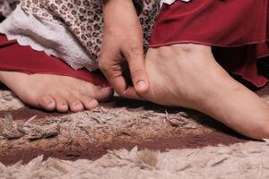 close-up van de voeten van de vrouw