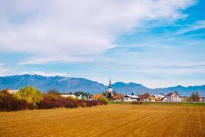 slovenië 2017- dorp in de bergen van de alpen in slovenië