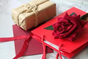 bovenaanzicht van geschenkdozen foto