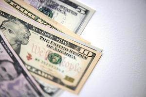 ons dollars op witte achtergrond