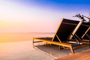 prachtig luxe hotel zwembad resort foto
