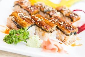 paling sushi roll maki foto