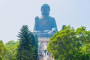 gigantische boeddhabeeld in hong kong, china foto