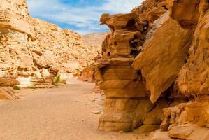rotsformaties in de woestijn foto