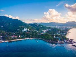 mooie luchtfoto van strand en zee op het eiland Koh Samui, Thailand