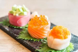 selectief focuspunt op sushi roll
