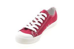 rode schoen op witte achtergrond