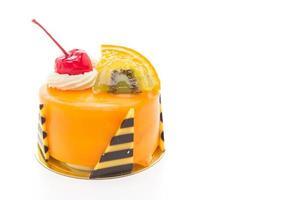 oranje fruitcake geïsoleerd op een witte achtergrond
