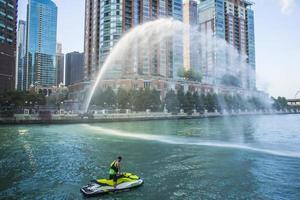 Chicago, Illinois 2016- Chicago Watersport Tours aan het rivierfront foto