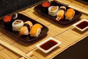 sushi voor twee foto