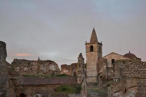 zonsondergang in de oude stad foto