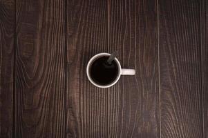 hou van koffie drinken, koffiekopjes staan op tafel foto