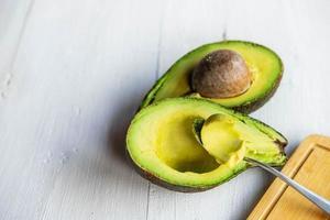lepel met avocado foto