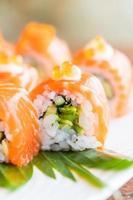 sushi zalm roll