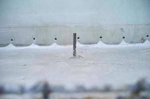 close-up selectieve focus foto van stalen lijn voor versterking betonconstructie