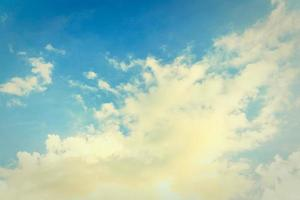 vintage wolk op hemelachtergrond