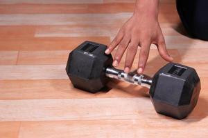 reiken naar vrije gewichten