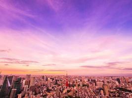 tokyo stad bij zonsondergang