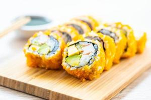 california maki rolt sushi