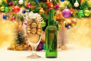 kerstballen met bier foto
