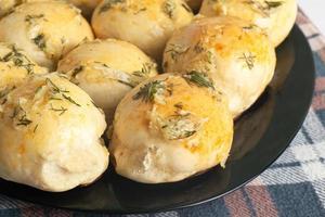 warme gebakken broodjes foto