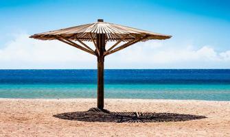 houten parasol foto