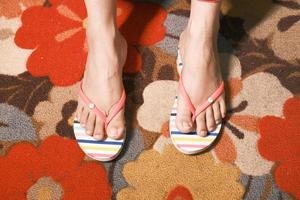 vrouw in slippers foto