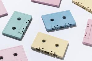 compositie met vintage cassettebandjes foto