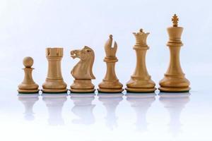 schaakconcept red de koning en red de strategie foto