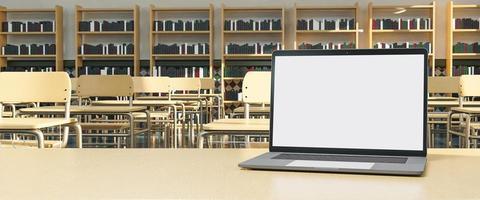 mockup van laptop op de tafel van de leraar met bureaus op de achtergrond foto