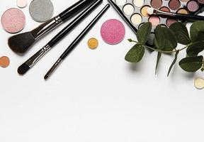 set van cosmetica met kopie ruimte foto