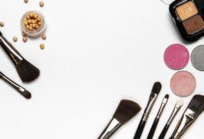 bovenaanzicht van make-up met kopie ruimte foto