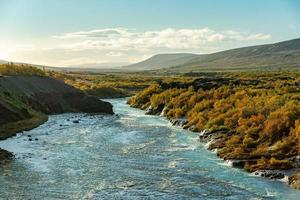 hraunfossar in IJsland foto