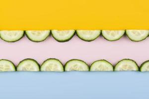 samenstelling heerlijke verse komkommers foto