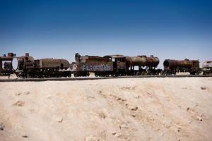 locomotief in de buurt van uyuni in bolivia foto