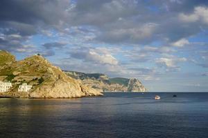de baai is balaklava - het historische monument van de Krim. foto